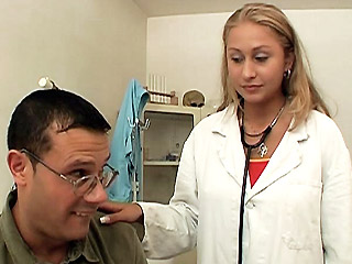 Sexy Blonde copulates Patient